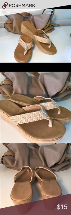 BLING TAN SANDALS SUPER COMFY WITH LOTS OF STYLE BLING BLING SIZE 7.5 CHRISTINA FRANCHINI  TAN SANDALS SUPER COMFY WITH LOTS OF STYLE PRE OWNED WITT MINIMAL WEAR SEE PICS cristina Francini Shoes Sandals