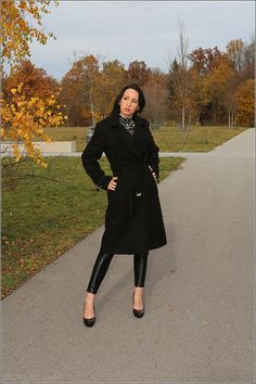 Look: Autumn fashion styling - Caviar Gauche Berlin coat and high heels
