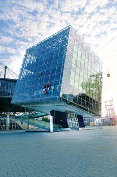 Für den T-Digit auf der Expo Hannover 2000 fertigte HIRO LIFT einen speziellen, schrägen Panorama-Aufzug http://blog.hiro.de/2015/06/12/5-echt-schraege-aufzuege/