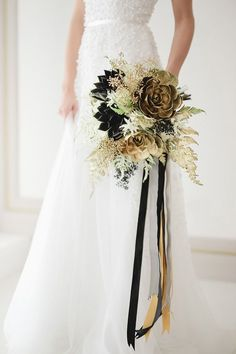 Black and Gold Bridal Bouquet is also a perfect color palette for a Halloween wedding. Gold Bouquet, Gold Wedding Bouquets, Black Bouquet, Gold Wedding Colors, Bride Bouquets, Flower Bouquet Wedding, Wedding Centerpieces, Floral Wedding, Fall Wedding