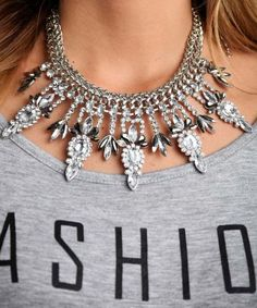 chic statement necklace, Greco-Roman and Egyptian jewelry http://www.justtrendygirls.com/greco-roman-and-egyptian-jewelry/