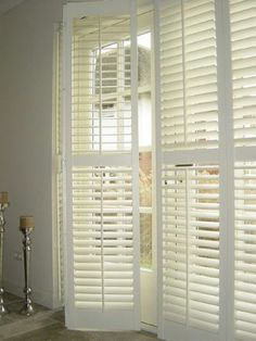 Install repurposed shutters on lounge and dining windows Pallet Shutters, Interior Shutters, Window Shutters, Interior And Exterior, Bedroom Shutters, Repurposed Shutters, Style At Home, Cosy Living, Interior Styling