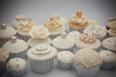 nice assortment for wedding cupcake ideas