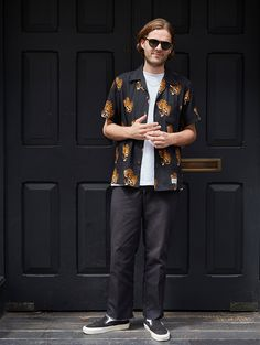 Joe wears - Sunglasses by Moscot, Chain by Goods by Goodhood, Shirt by Wacko Maria, Trousers by Dickies, Sneakers by Vans. Japan Fashion, Daily Fashion, Love Fashion, Mens Fashion, Fashion Outfits, Streetwear, Skate Style, Mens Clothing Styles, Stylish Men