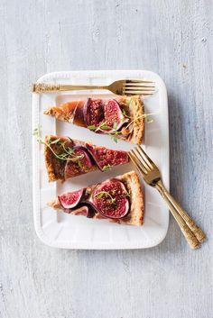 Viikuna-prosciuttopiirakka // Fig & prosciutto Pie Salty Foods, Savory Tart, Prosciutto, Plant Based Diet, Fig, Food Photography, Grilling, Food And Drink, Menu