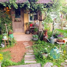 Bt For Organic Gardening Garden Cottage, Home And Garden, Garden Paths, Garden Landscaping, Dream Garden, Garden Planning, Amazing Gardens, Organic Gardening, Gardening Blogs