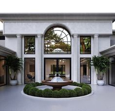 Classic House Exterior, Classic House Design, Dream House Exterior, Dream Home Design, Modern Architecture House, Architecture Design, Casa Real, Sims House, Facade House