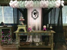 O tema da festa é Paris? A AMJ disponibiliza recortes super lindos para você decorar sua festa. Várias peças já estão disponíveis na loja virtual da AMJ: www.artemadeirajoinville.com.br  -   Para recortes personalizados, entre em contato conosco pelo email contato@artemadeirajoinville.com.br.