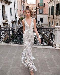 "The Fashionable Bride (@thefashionablebride) på Instagram: ""Gown from @julievinobridal #bryllup #thefashionablebride #engagementring #dittbryllup…"""