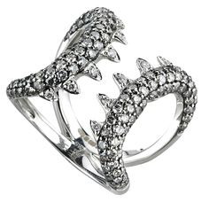 Stephen Webster White Gold Jewels Verne Mini Shark Jaw Ring with White Diamonds. White Gold Jewelry, White Gold Rings, Creepy, Unusual Engagement Rings, Jewellery Sketches, Jewelry Sketch, Dragon Jewelry, Stephen Webster, Fantasy Jewelry