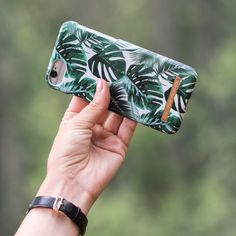 Monstera Jungle by lovely @nathalieedstrom - Fashion case phone cases iphone inspiration iDeal of Sweden #green #leaf #palm #tropical #gold #fashion #inspo #iphone