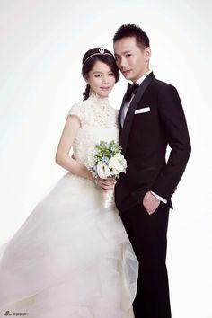 Wedding photos of Taiwan actress Vivian Hsu   China Entertainment News