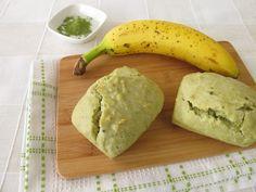 """750g vous propose la recette """"Petits pains banane et thé matcha"""" publiée par 750GASS."""