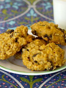 Raisin Oatmeal Cookies made with only honey