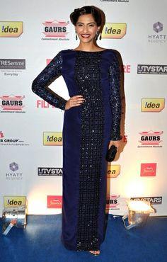 Sonam Kapoor in Anushka Khanna  - Filmfare Nominee Party
