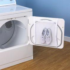 Ideia para lavar seu tênis na Máquina de Lavar! Será que funciona? :) Confira dicas de decoração e organização no ZAP em Casa!