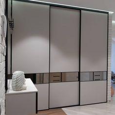 Wardrobe Interior Design, Wardrobe Door Designs, Wardrobe Design Bedroom, Wardrobe Doors, Bedroom Decor, Bedroom Cupboard Designs, Modern Kitchen Interiors, Apartment Interior, Diy Furniture