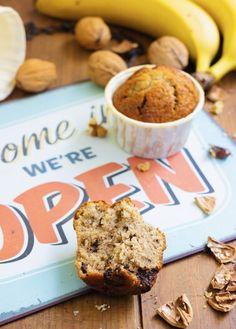 Pause gourmande assurée avec ces muffins à la banane et aux pépites de chocolat ! Banana Bread, Muffins, Desserts, Food, Gluten Free Oatmeal, Gluten Free Recipes, Flaxseed Flour, Banana, Muffin