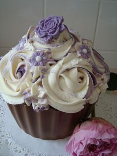 Giant cupcakes and Cupcake on Pinterest