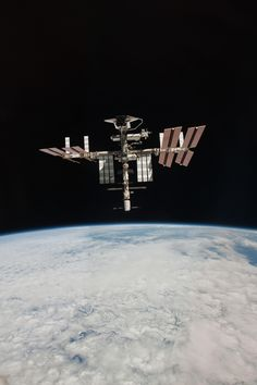 Space Shuttle Endeavour docked to the ISS, 2011. Photo by astronaut Paolo Nespoli (ISS027-E-036638)