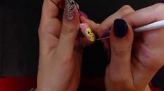 Tweety painting on nails - tutorial