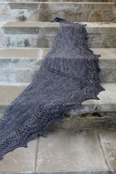 I designed this shawl at a difficult time in my life. While knitting the shawl I realized that after all I was stronger than I could have ever imagined. The shawl is named after David Guetta's and Sia's song Titanium. Crochet Shrug Pattern, Wrap Pattern, Knit Or Crochet, Lace Knitting, Crochet Shawl, Knitting Stitches, Knitting Patterns Free, Knitted Shawls, Knitted Bags