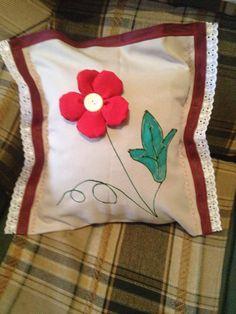 Almofada com flor 3D