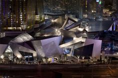 Crystals at citycenter, Las Vegas Architect: Daniel Libeskind Daniel Libeskind, Chinese Architecture, Architecture Office, Futuristic Architecture, Office Buildings, Commercial Architecture, Amazing Architecture, Nevada, Las Vegas