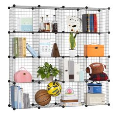 There are a few keys to organizing kids' rooms effectively. Most importantly, you need to make the most of the wall height.    #kidsroomorganization #organizekidsroom #kidsroom