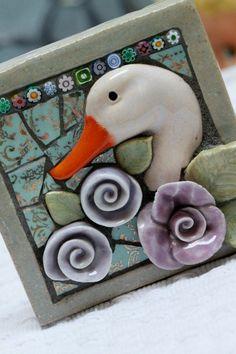 Outdoor/Indoor Mosaic Art Garden art Duck and by Lisabetzmosaicart. Mosaic Crafts, Mosaic Projects, Art Projects, Tile Crafts, Mosaic Glass, Mosaic Tiles, Glass Art, Stained Glass, Art Tiles