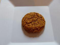 Persian walnut cookies (ingrediënten: walnoten, eigeel (3 st), suiker, kardemom, baking soda, rozenwater en citroenrasp) (@ Enjoy Indian Food)