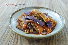 가지나물 (steamed eggplant).