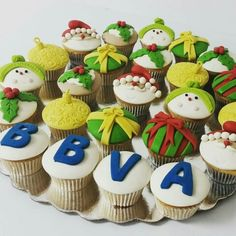 Así celebra la Navidad la familia del BBVA Sede La Llovizna en Pto. Ordaz. Edo. Bolívar.  #cupcakegourmet #cupcakes #pzocity #pzo #poz #ciudadguayana #bbva #bancoprovincial #navidad #christmas #christmastime #cupcakesnavideños