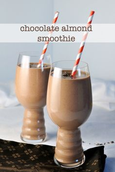 Chocolate Almond Smoothie made with raw cacao, hemp, almonds and dates. |www.flavourandsavour.com
