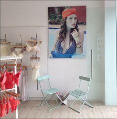 Preparando nuestro almacén para la llegada de nuestra nueva colección y nueva línea #swimwear #mediterraneanparadise #purpuratta #lingerie ATENTOS!!! Les estaremos contando