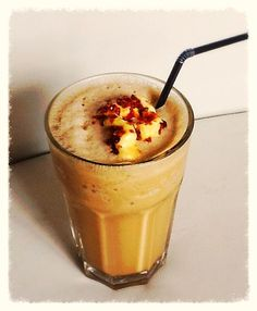 Zmrzlinové frapé Russian Recipes, Frappe, Nutribullet, Diet Recipes, Smoothies, Food And Drink, Pudding, Desserts, Syrup