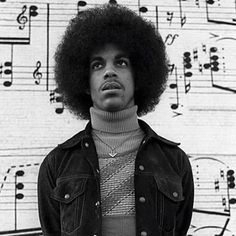 It's hard to believe, but on Thursday, June Prince Rogers Nelson would have turned 60 years old, had he lived. Cool Mens Haircuts, Cool Hairstyles For Men, Rock Hairstyles, Feathered Hairstyles, Disco Hair, Greaser Hair, Jheri Curl, Surfer Hair, Brylcreem