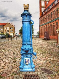 When visiting Berlin, hop over to Poland. You can easily spend two hours in Szczecin. Hop over by train by using Germany's cheap one-day ticket option. Hand Pump Well, Travel Around The World, Around The Worlds, Poland History, Poland Travel, By Train, Historical Pictures, Warsaw, Places To See