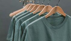 Photo of blue crew-neck tops Michael Johnson, T Shirts, Printed Shirts, Funny Shirts, T Shirt Picture, Foto Fashion, Men Fashion, Fashion News, Diy Clothes Refashion