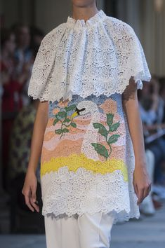 Browse Milan Fashion Week Spring 2019 pictures from the Vivetta runway show. Vivetta, Milan Fashion, Summer Collection, Lace Skirt, Photos, Pictures, Runway, Bride, Detail