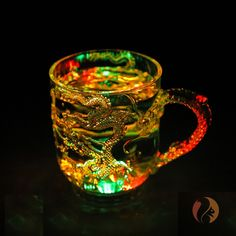 Color changing mug for all the dragon lovers out there 🐉 Just Amazing, Dragon, Lovers, Mugs, Tableware, Color, Dinnerware, Tumblers, Tablewares