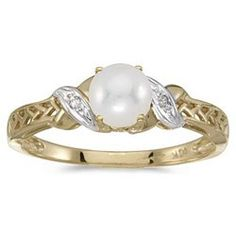 Pearl Promise Ring. A promise ring is often seen as the step that comes before an engagement ring. It symbolizes a strong relationship with the eventual intention of marriage.