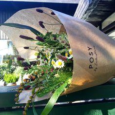 En rigtig flot #markstyle er leveret her til morgen fra Blomster hos Poul i Nærum  #posydk #blomstertilweekenden #forkælelse #flowerstyles