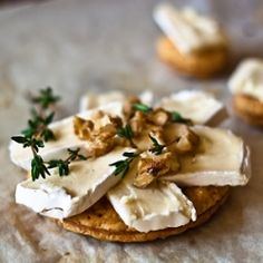 Melting Brie tart with a crunch