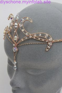 Diamanten Diadem Source by ideas anime Cute Jewelry, Hair Jewelry, Jewelry Accessories, Fantasy Princess, Circlet, Fantasy Dress, Fantasy Jewelry, Tiaras And Crowns, Royal Tiaras