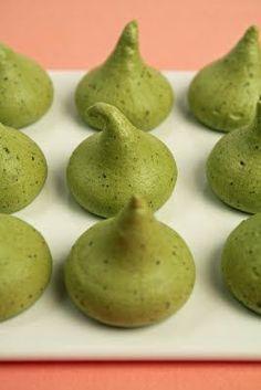 Green Tea Meringue: delicious and easy to prepare. #greentea #matcha #adagio www.adagio.com