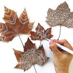 Gorgeous Leaf Craft Ideas You Must Try! - Basteln ideen Gorgeous Leaf Craft Ideas You Must Try! Handicrafts with natural materials Make autumn Leaf Crafts, Diy And Crafts, Crafts For Kids, Arts And Crafts, Summer Crafts, Autumn Crafts, Nature Crafts, Art In Nature, Fall Leaves Crafts
