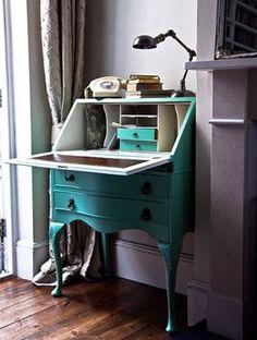 #Bureau #actualisé : #repeindre un vieux #secrétaire en #turquoise