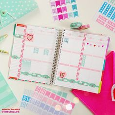 """""""Here's my layout for this week in my @erincondren Life Planner. I know Valentine's isn't for a couple weeks, but I have so many cute Valentine's Day…"""""""