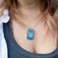 These geode slice necklaces are so versatile! Natural enough to wear casually, and sparkly enough for a wedding occasion